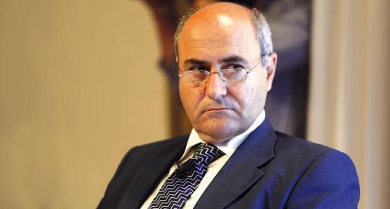 Parliamentary Secretary José Herrera comes to the rescue (Photo: Times of Malta)