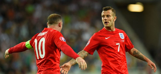 Wayne Rooney and Jack Wilshere (Photo: ESPN)