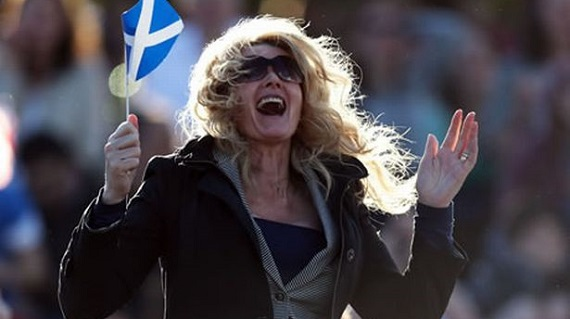 Wimbledon Scottish fan cheering Murray