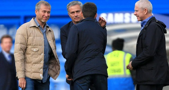 Mourinho and Abramovich at training