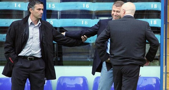 Mourinho and Abramovich shaking hands