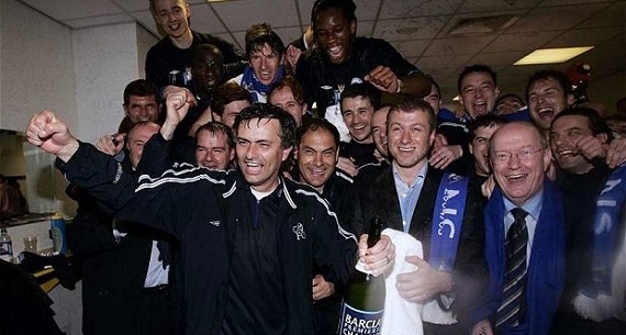 Mourinho and Abramovich celebrating championship